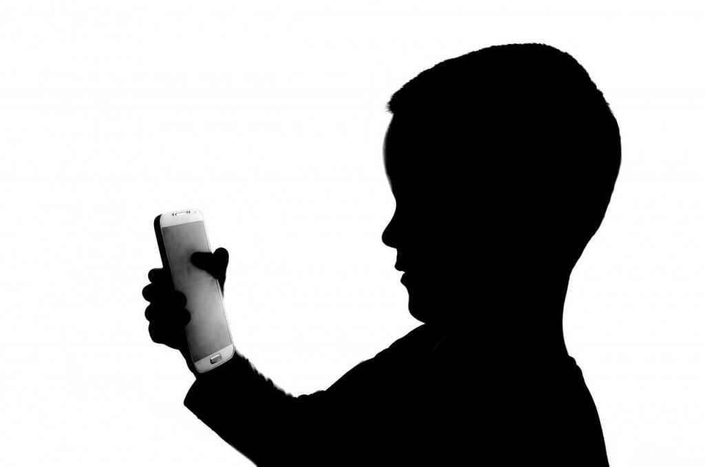El uso excesivo de smartphone en  niños
